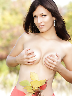 Showy Beauty  Lusy  Shaved, Tits, Breasts, Boobs