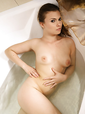 avErotica  Johane  Amateur, Erotic, Bath, Shower, Teens, Smoking, Solo